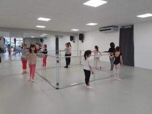Ecole de de danse et de chant Les Feux de La Rampe - La salle et l'èquipement